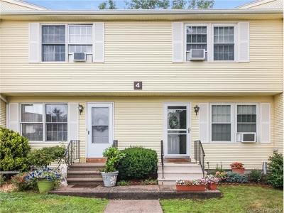 Middletown Condo/Townhouse For Sale: 4 Countryside Lane #4