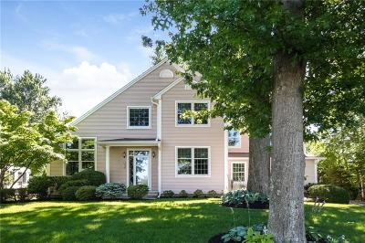 Wethersfield Single Family Home For Sale: 620 Wolcott Hill Road