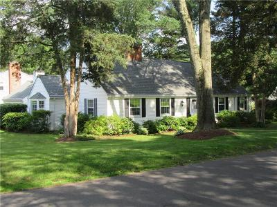 West Hartford Single Family Home For Sale: 4 Glen Hollow