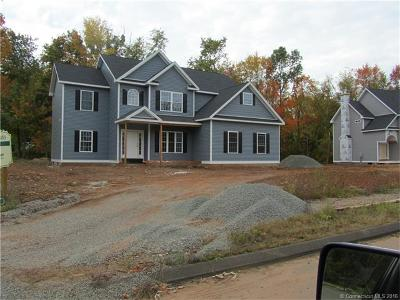 Southington Single Family Home For Sale: 68 Steeple Chase Drive