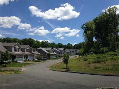 Harwinton Condo/Townhouse For Sale: 187 Oak Meadow Lane #H15