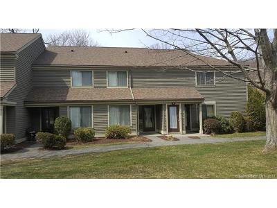 Winchester Condo/Townhouse For Sale: 13 Riveredge Drive #13