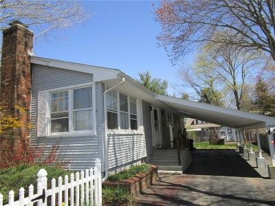 Westbrook Single Family Home For Sale: 16 South Menunketesuck Avenue South