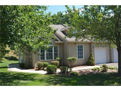 Hamden Condo/Townhouse For Sale: 25 Hamden Hills Drive #53