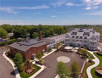 Guilford Condo/Townhouse For Sale: 66-27 High Street #27