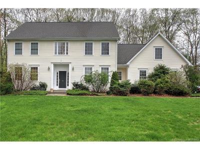 Hamden Single Family Home For Sale: 16 Oakwood Lane