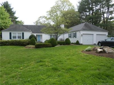 Hamden Single Family Home For Sale: 49 Fennbrook Drive