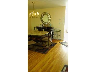Hamden Condo/Townhouse For Sale: 277 Centerbrook Road #277