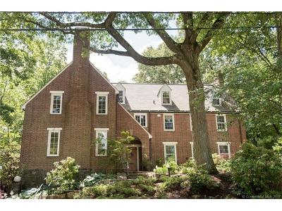 Hamden Single Family Home For Sale: 56 Laurel Road