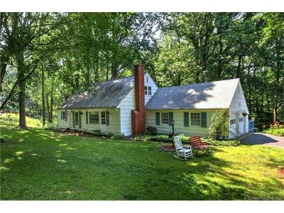 Milford CT Single Family Home For Sale: $399,500
