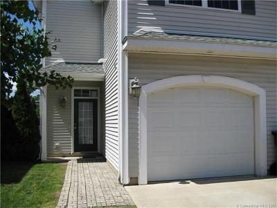 Milford CT Condo/Townhouse For Sale: $259,900
