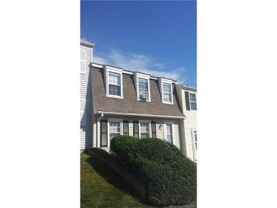 Ledyard Condo/Townhouse For Sale: 12 Lakeside Dr #M