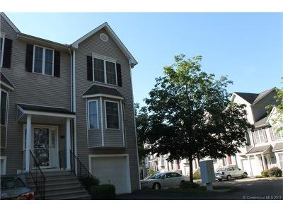 Hamden Condo/Townhouse For Sale: 157 Leeder Hill #106