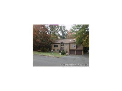 Hamden Single Family Home For Sale: 91 Hideaway Lane
