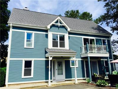 Milford CT Condo/Townhouse For Sale: $309,900
