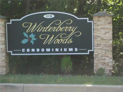 Southington Condo/Townhouse For Sale: 2118 Meriden Waterbury Turnpike #21