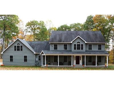 Watertown Single Family Home For Sale: 197 Stonybrook Lane