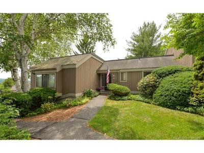 Southbury Condo/Townhouse For Sale: 19 Heritage Circle #A
