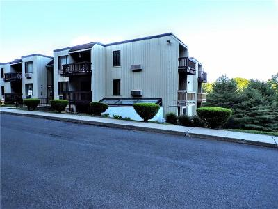 Hamden Condo/Townhouse For Sale: 175 Mill Pond Road #101