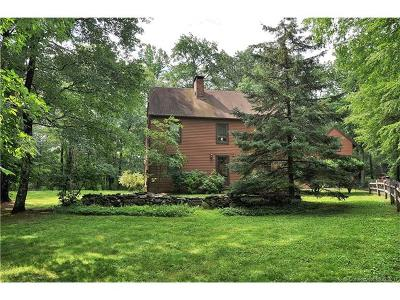 Woodbury Single Family Home For Sale: 105 Lighthouse Road