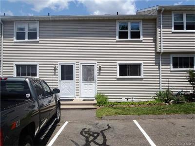 Naugatuck Condo/Townhouse Show: 1081 New Haven Road #3D