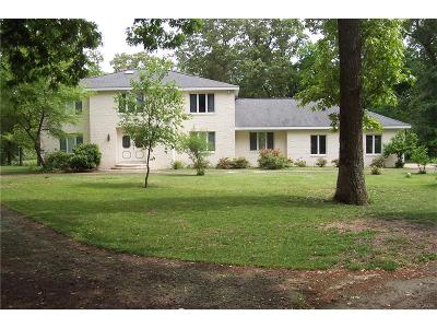 Seaford Single Family Home For Sale: 248 North Shore Ct