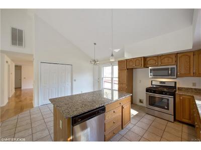 Sussex County Single Family Home For Sale: 23 Falcon Crest Dr