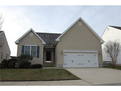 Seaford Single Family Home For Sale: 121 Pond View