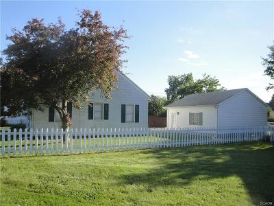 Single Family Home For Sale: 20860 Dupont