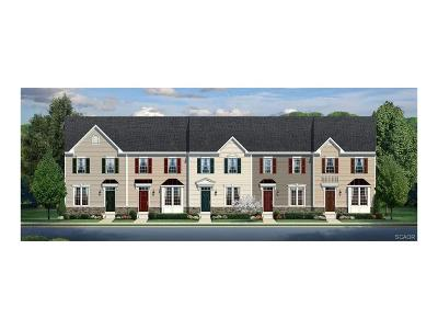 Condo/Townhouse For Sale: 30105 Plantation Dr