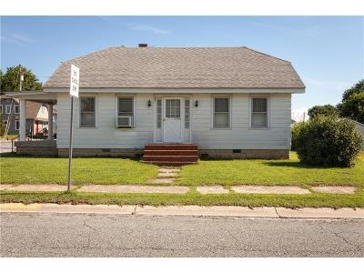 Greenwood Single Family Home For Sale: 301 Governors Avenue