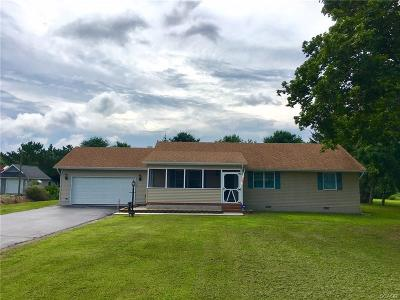 Seaford Single Family Home For Sale: 21729 Maple Drive