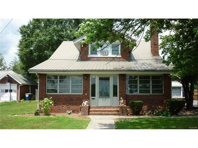 Single Family Home For Sale: 713 E Market Street