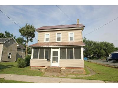 Laurel Single Family Home For Sale: 116 West St.