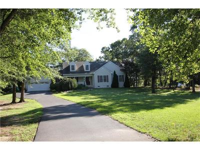 Seaford Single Family Home For Sale: 7641 Kings Ct.