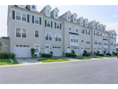 Condo/Townhouse For Sale: 35819 South Gloucester Circle