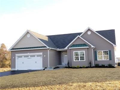 Milford Single Family Home For Sale: 62 Evesboro Drive #46