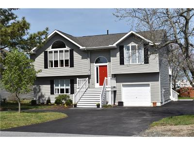 Berlin Single Family Home For Sale: 4 Pintail
