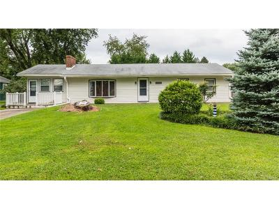 Single Family Home For Sale: 32287 River Road