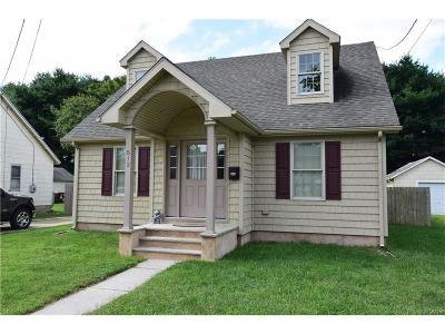 Single Family Home For Sale: 512 N Bradford St