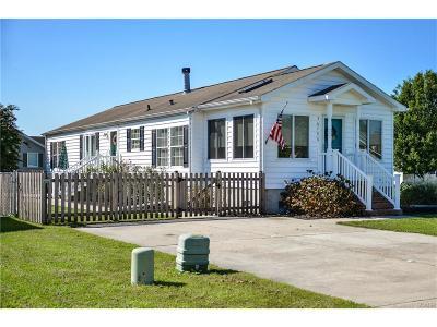 Single Family Home For Sale: 36790 Breakwater