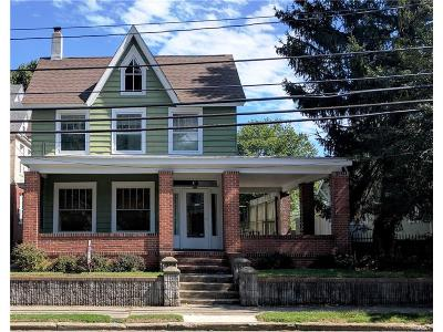 Single Family Home For Sale: 213 S Walnut St