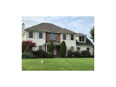 Milford Single Family Home For Sale: 126 Wisteria
