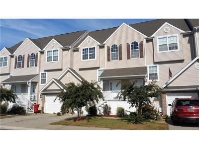 Seaford Condo/Townhouse For Sale: 625 Rosemary