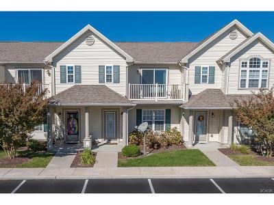 Condo/Townhouse For Sale: 23515 Tristan Lane #76