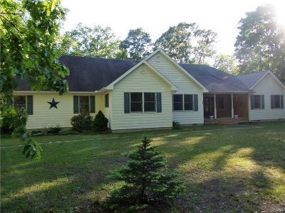 Milton Single Family Home For Sale: 36 Cripple Creek