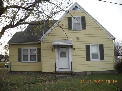 Single Family Home For Sale: 20898 Dupont
