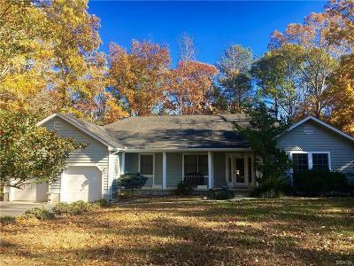 Single Family Home For Sale: 120 White Oak