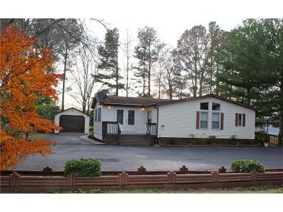 Single Family Home For Sale: 37154 Pinewood Rd.