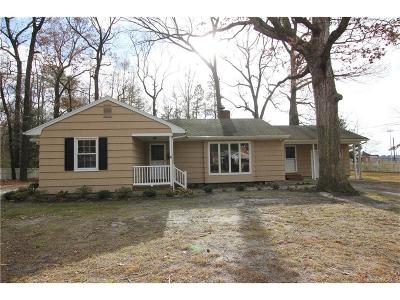Laurel Single Family Home For Sale: 136 Oak Lane Dr.